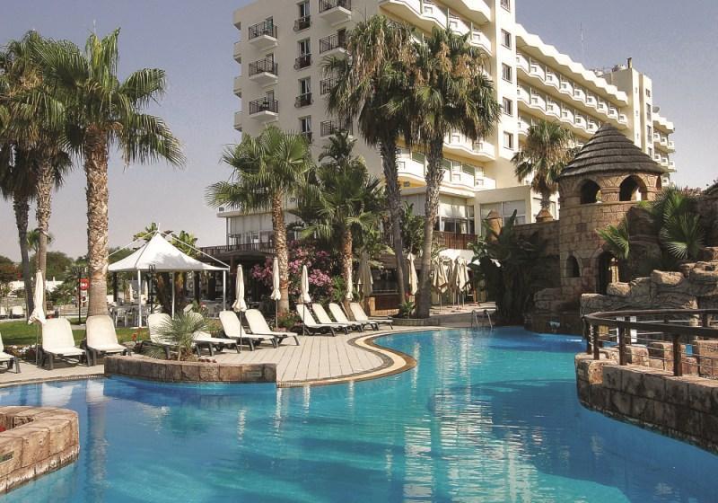 City break Larnaca Revelion 2018  bilet de avion si hotel inclus