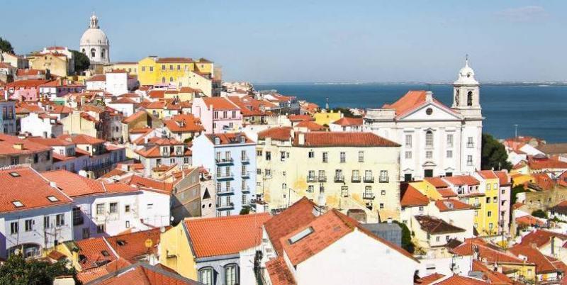 City break Lisabona aprilie 2018 bilet de avion si hotel inclus