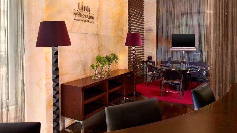 City break Lisabona mai bilet de avion si hotel inclus