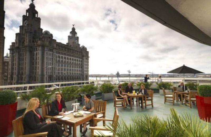 City break Liverpool august week-end Sf. Maria bilet de avion si hotel inclus