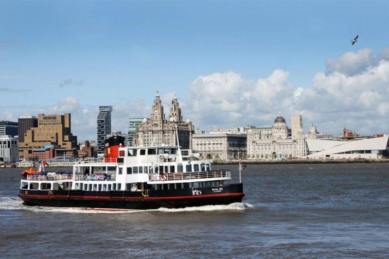 City break Liverpool ianuarie  bilet de avion si hotel inclus