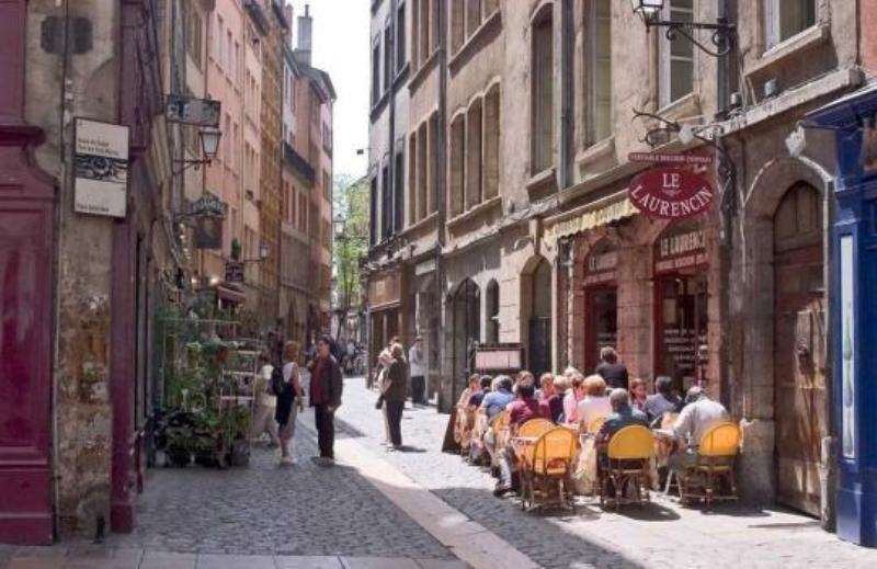 City break Lyon august  bilet de avion si hotel inclus