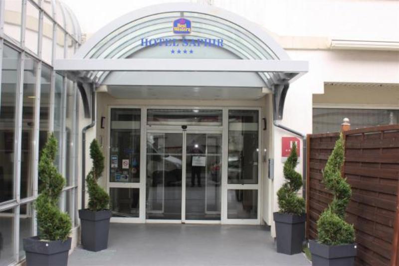 City break Lyon Mos Nicolae  bilet de avion si hotel inclus