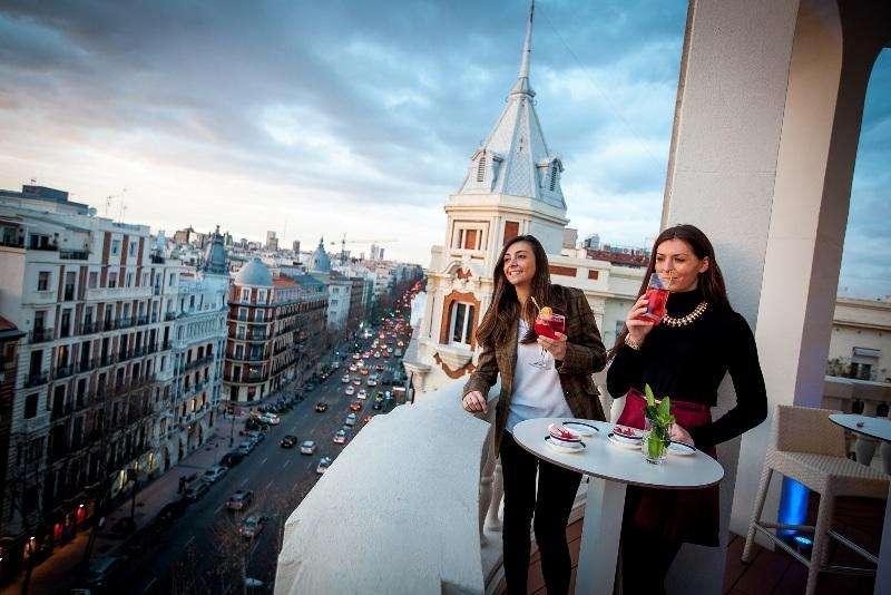 City break Madrid august week-end Sf. Maria bilet de avion si hotel inclus