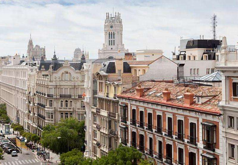City break Madrid august week-end Sf. Maria bilet de avion si hotel inclus