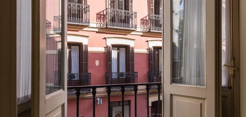 City break Madrid Valentine's Day  bilet de avion si hotel inclus