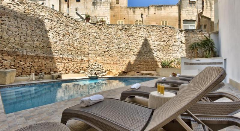 City break Malta ianuarie  bilet de avion si hotel inclus