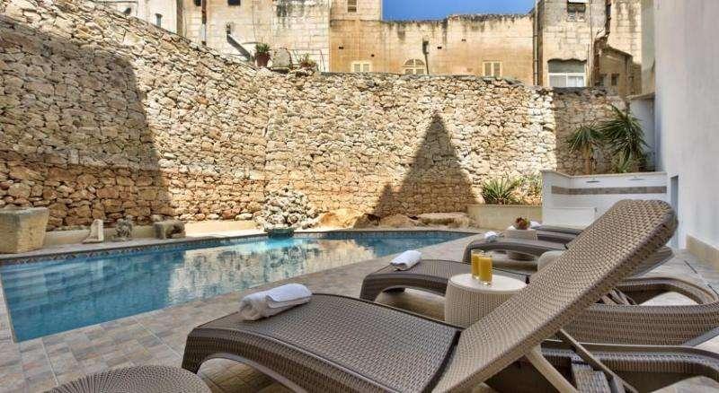 City break Malta iunie bilet de avion si hotel inclus