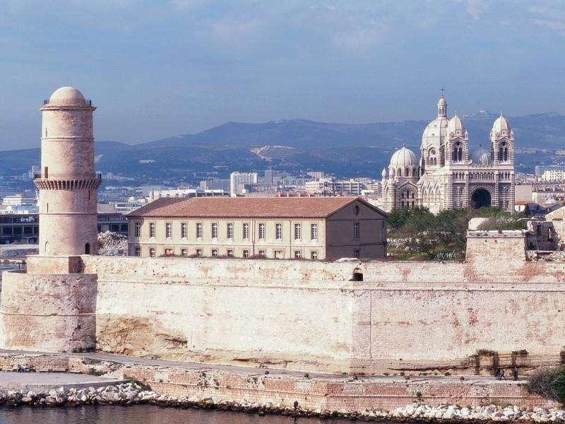 City break Marsilia august  bilet de avion si hotel inclus