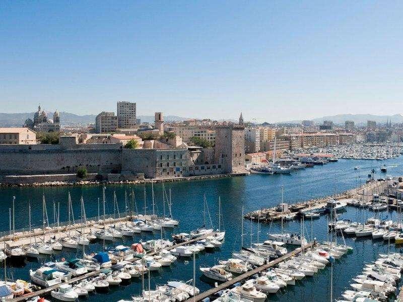 City break Marsilia mai bilet de avion si hotel inclus