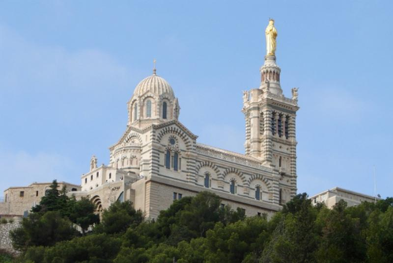 City break Marsilia Paste 2018, bilet de avion si hotel inclus