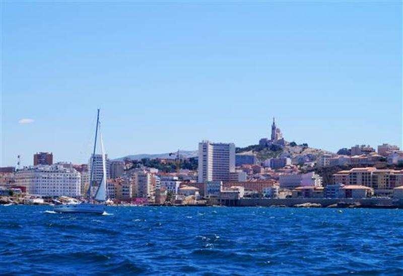 City break Marsilia septembrie bilet de avion si hotel inclus