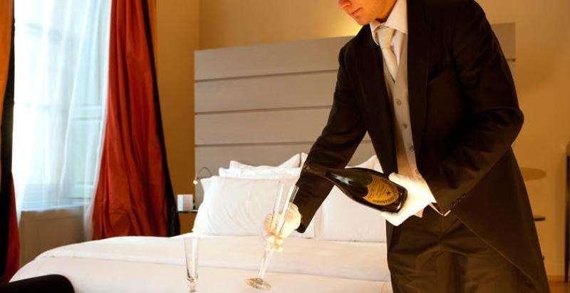 City break Milano 2 adulti si 1 copil bilet de avion si hotel inclus