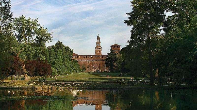 City break Milano iulie bilet de avion si hotel inclus