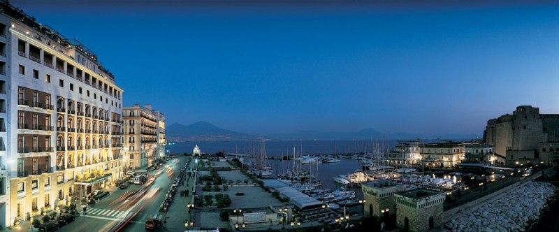 City break Napoli august bilet de avion si hotel inclus