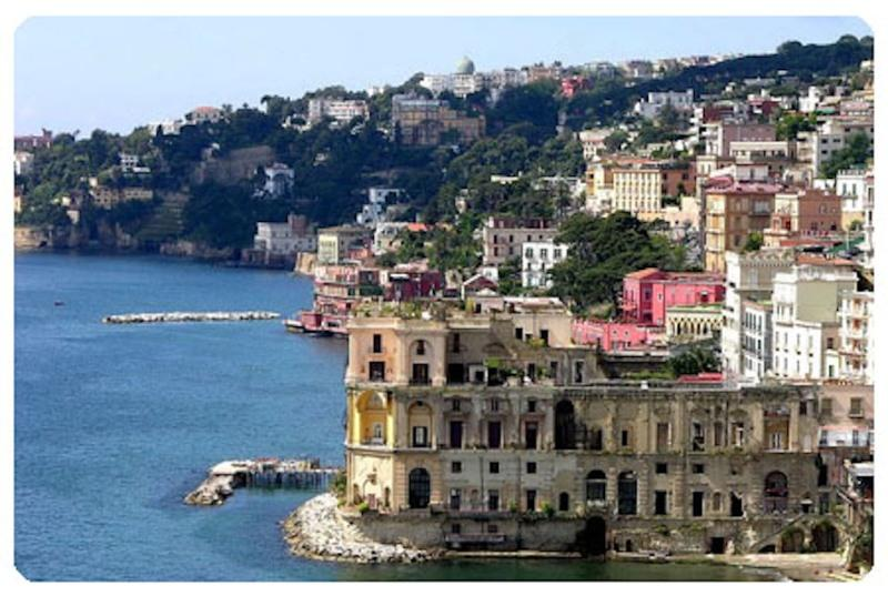 City break Napoli februarie 2018, bilet de avion si hotel inclus