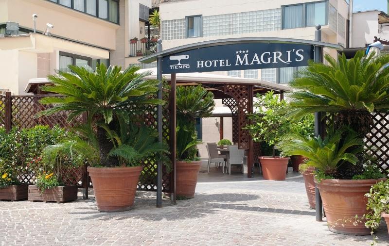 City break Napoli ianuarie 2018 bilet de avion si hotel inclus