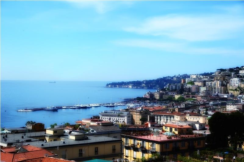 City break Napoli iulie bilet de avion si hotel inclus