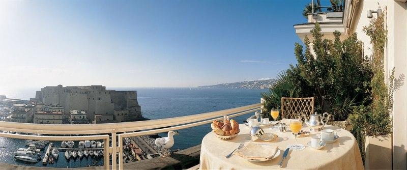 City break Napoli noiembrie  bilet de avion si hotel inclus