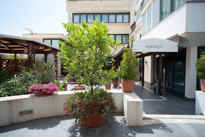 City break Napoli septembrie  bilet de avion si hotel inclus