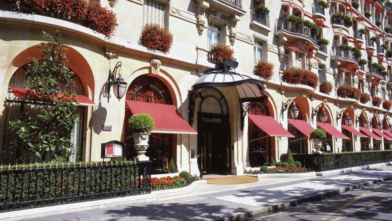 City break Paris ianuarie 2018 avion si hotel inclus