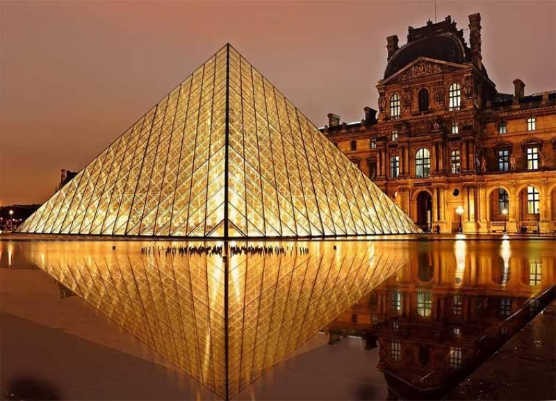 City break Paris octombrie  bilet de avion si hotel inclus