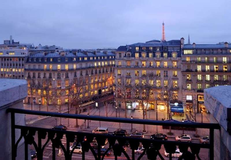 City break Paris octombrie bilet de avion si hotel inclus