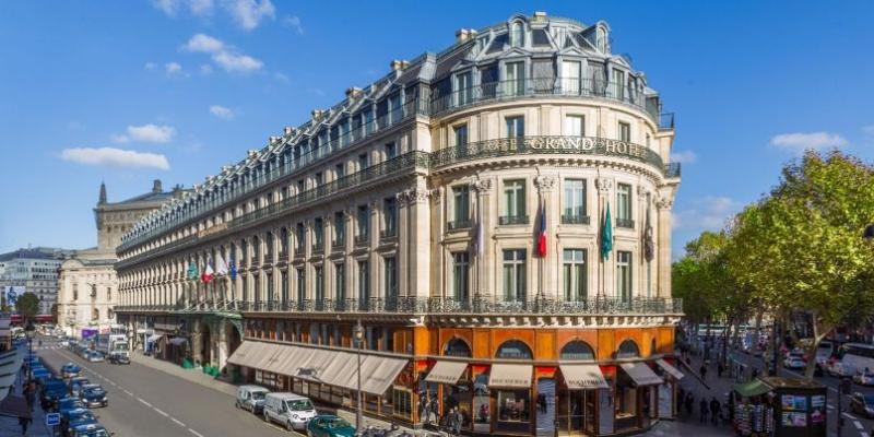City break Paris Piata de Craciun bilet de avion si hotel inclus