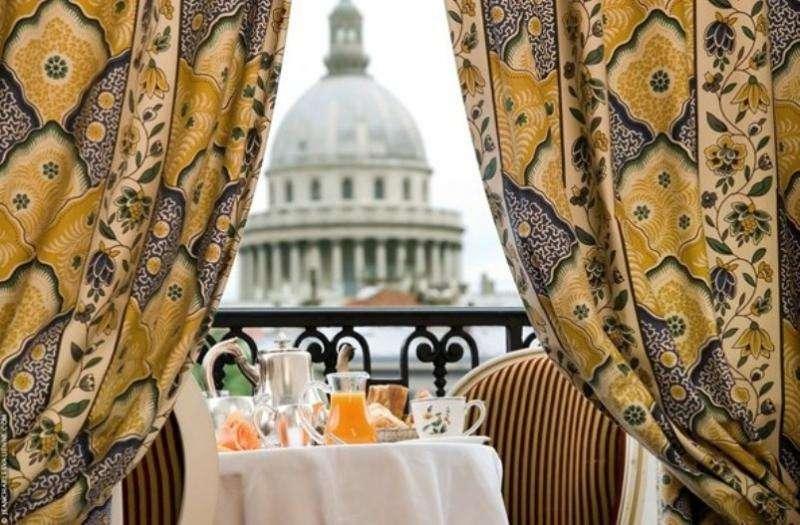 City break Paris septembrie  bilet de avion si hotel inclus