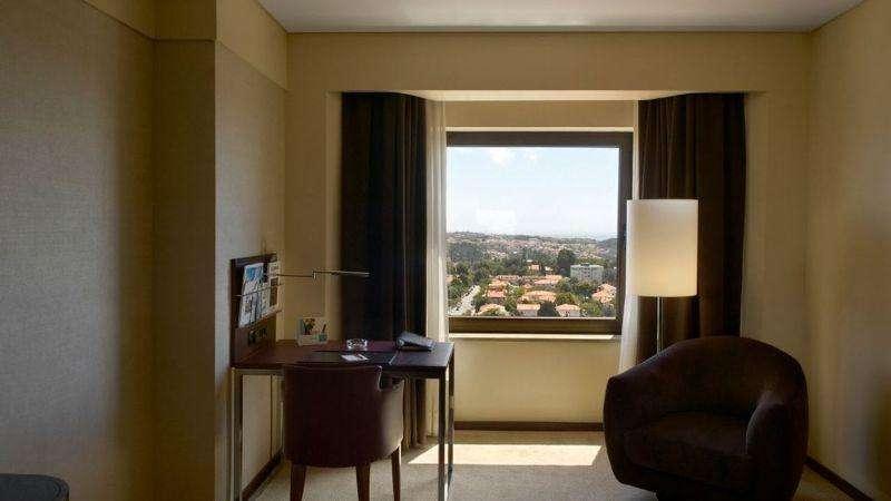 City break Porto august week-end Sf. Maria bilet de avion si hotel inclus