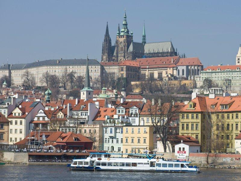 City break Praga 1 martie 2018 bilet de avion si hotel inclus