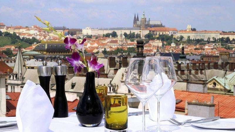 City break Praga iulie bilet de avion si hotel inclus