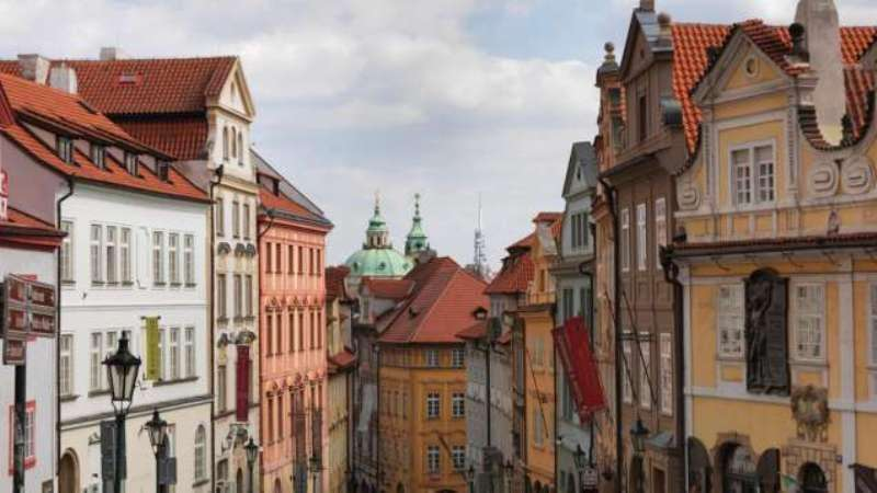 City break Praga Mos Nicolae bilet de avion si hotel inclus