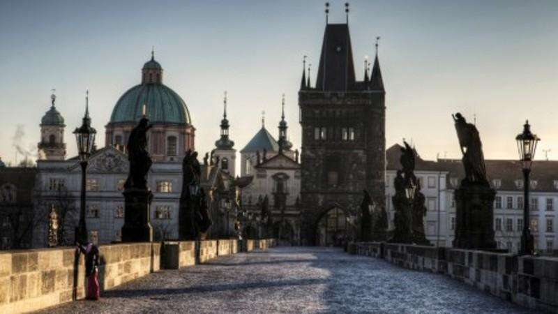 City break Praga noiembrie  bilet de avion si hotel inclus