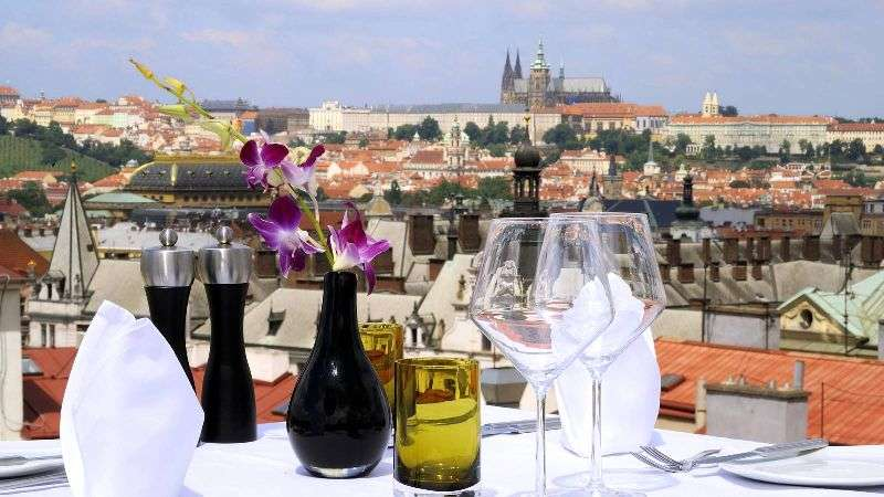 City break Praga Paste 2018  bilet de avion si hotel inclus