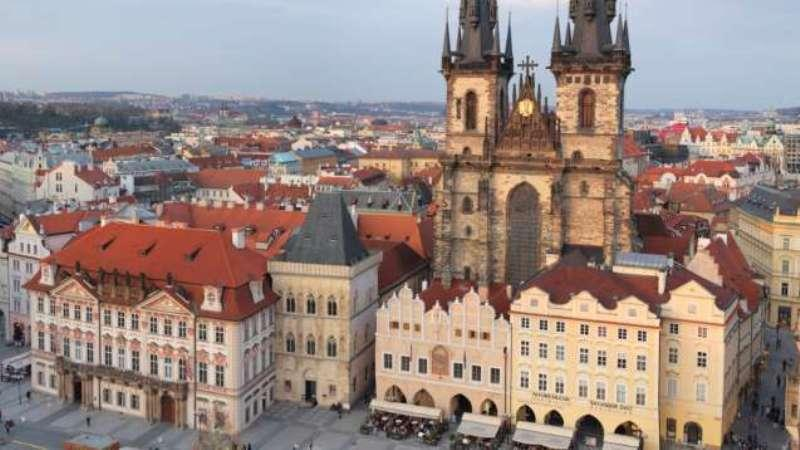 City break Praga Piata de Craciun bilet de avion si hotel inclus