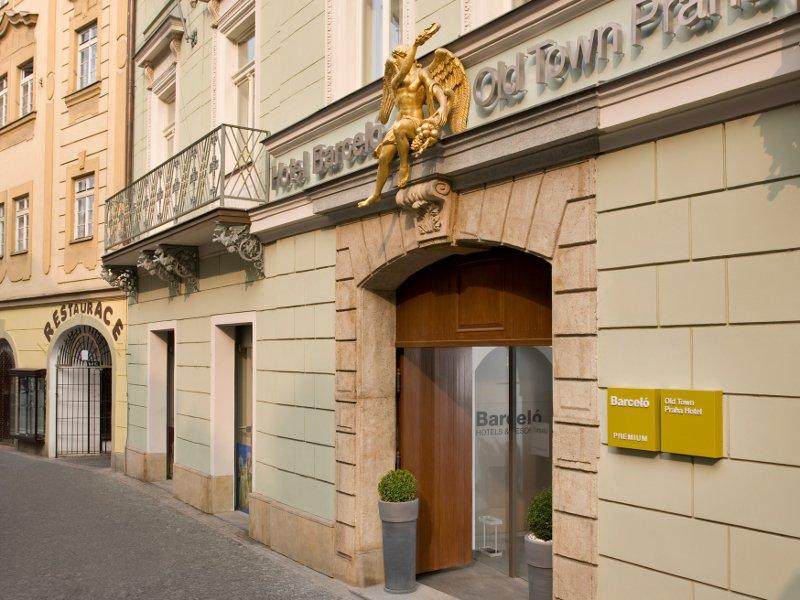 City break Praga septembrie bilet de avion si hotel inclus