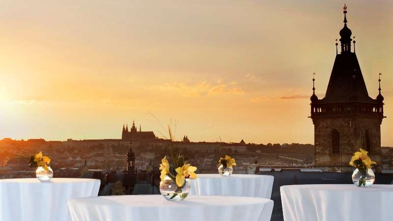 City break Praga aprilie 2018 bilet de avion si hotel inclus