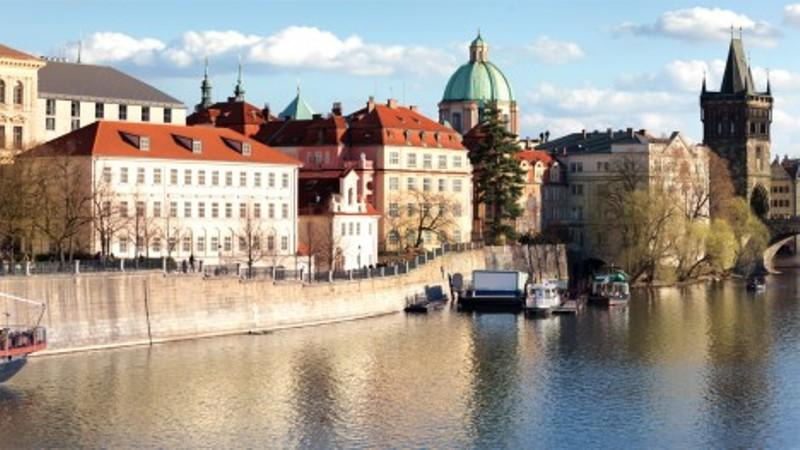 City break Praga Valentine's Day  bilet de avion si hotel inclus