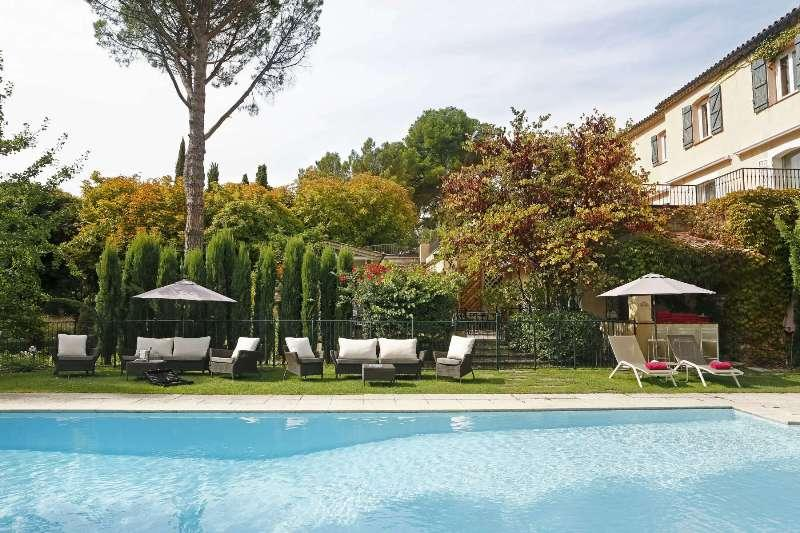 City break Provence august bilet de avion si hotel inclus