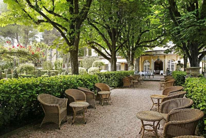 City break Provence noiembrie  bilet de avion si hotel inclus
