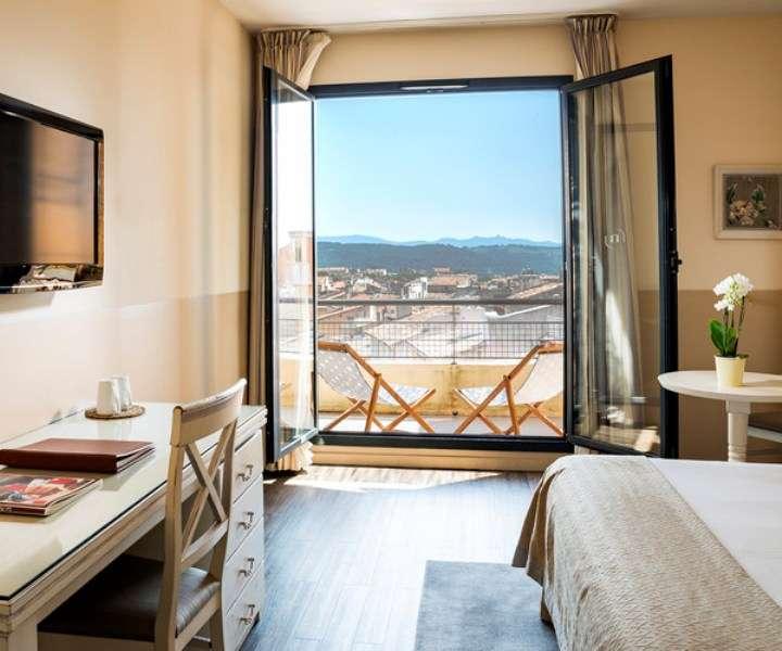 City break Provence si Coasta de Azur aprilie bilet de avion si hotel inclus