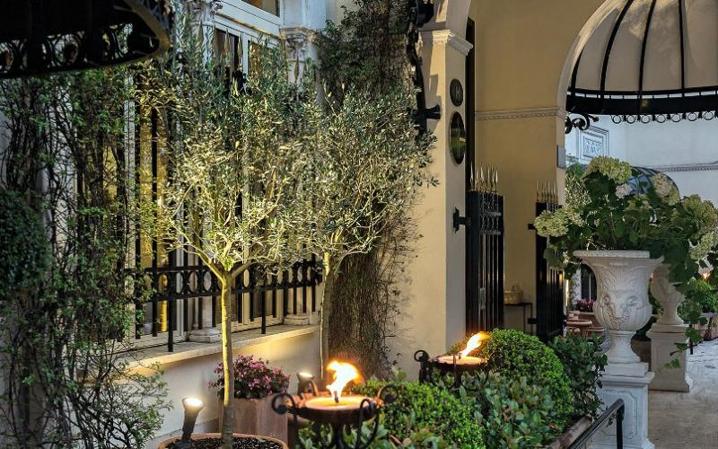 City break Roma Mos Nicolae  bilet de avion si hotel inclus