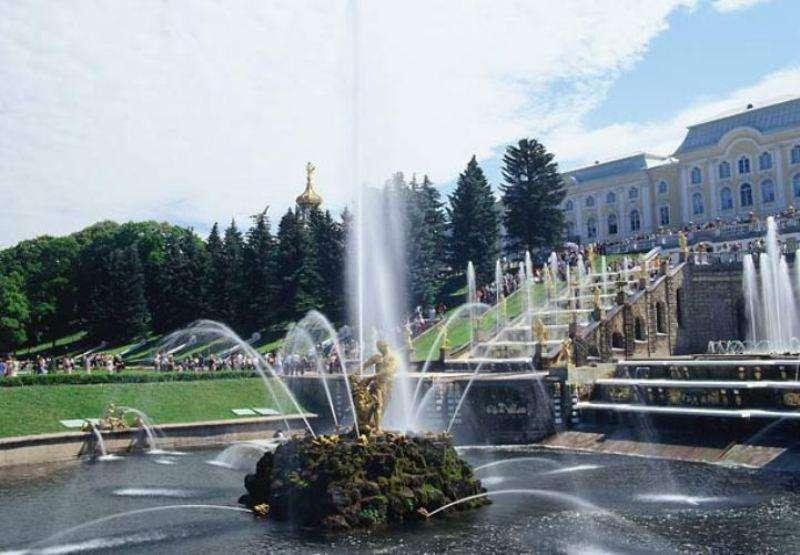 City break Sankt Petersburg  octombrie  bilet de avion si hotel inclus