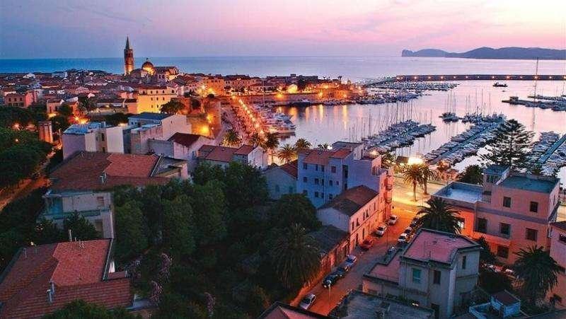 City break Sardinia mai bilet de avion si hotel inclus