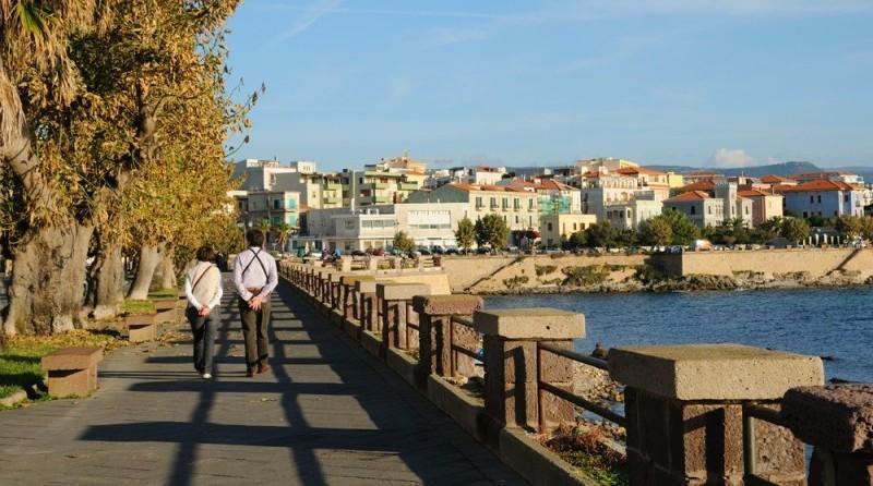 City break Sardinia Mos Nicolae bilet de avion si hotel inclus