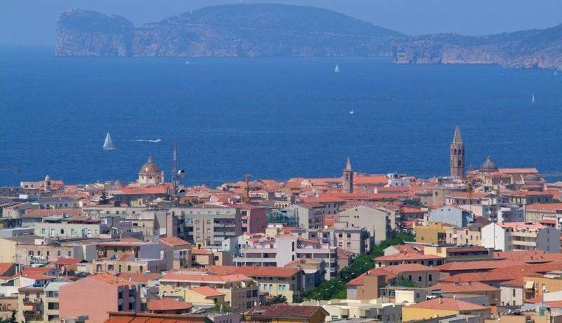City break Sardinia septembrie, bilet de avion si hotel inclus