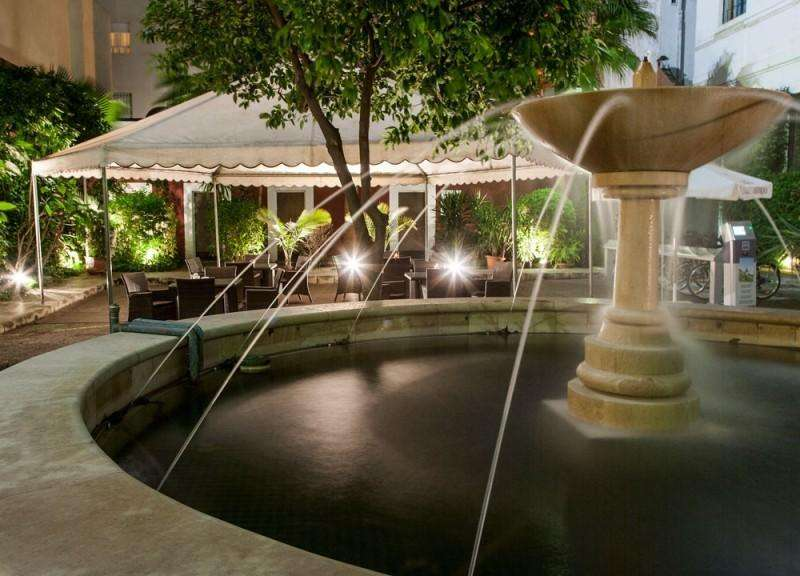 City break Sevilla aprilie bilet de avion si hotel inclus