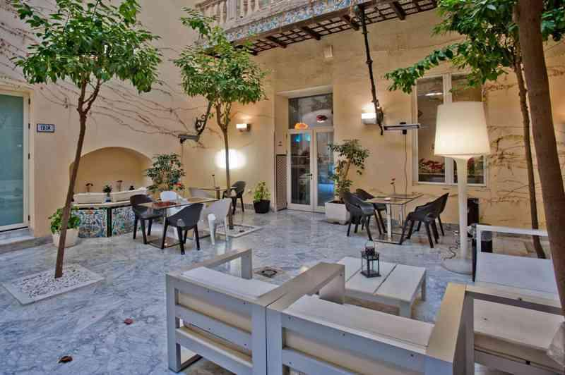City break Sevilla iulie bilet de avion si hotel inclus