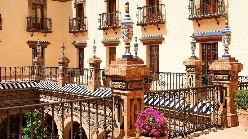 City break Sevilla noiembrie 2017  bilet de avion si hotel inclus